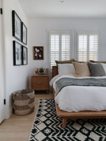 Gorgeous Bedroom Ideas For Couples On A Budget To Try 34