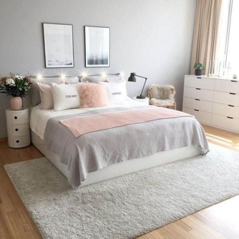 Gorgeous Bedroom Ideas For Couples On A Budget To Try 41