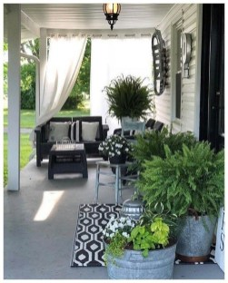 Lovely Summer Decorating Ideas For Front Porch 05