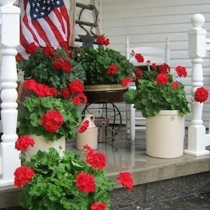 Lovely Summer Decorating Ideas For Front Porch 11