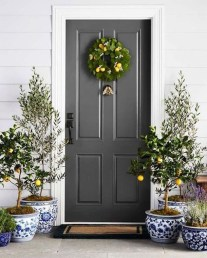 Lovely Summer Decorating Ideas For Front Porch 15