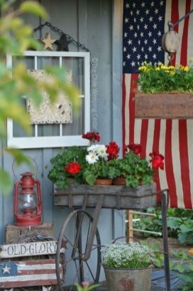 Lovely Summer Decorating Ideas For Front Porch 28