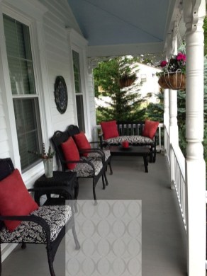 Lovely Summer Decorating Ideas For Front Porch 37