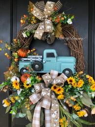 Pretty Summer Wreaths Decor Ideas That Looks Cool 14