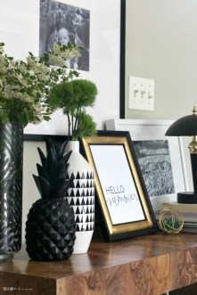 Unique Summer Mantel Decorating Ideas To Try 20
