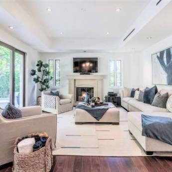Best Traditional Livingroom Design Ideas To Try 06