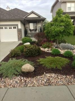 Newest Green Grass Design Ideas For Front Yard Garden 11