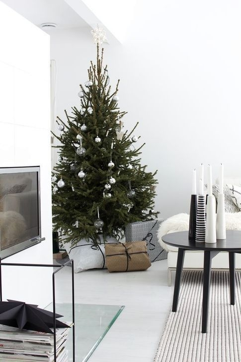39Rustic Christmas Design Ideas For Your Apartment Décor To Try