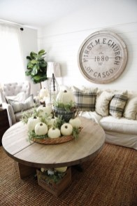 Admiring Living Room Design Ideas To Enjoy The Fall 03