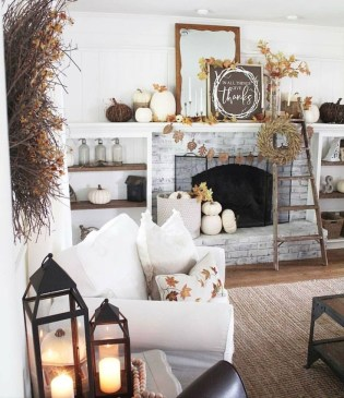 Admiring Living Room Design Ideas To Enjoy The Fall 25