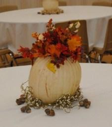 Admiring White And Orange Pumpkin Centerpieces Ideas For Halloween 06