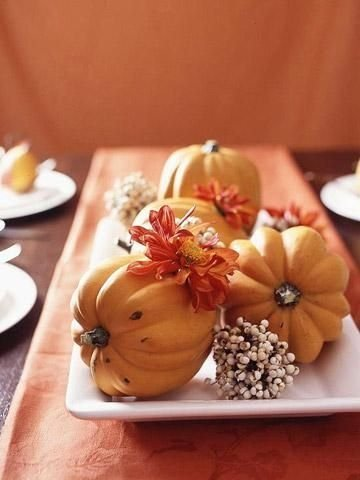 Admiring White And Orange Pumpkin Centerpieces Ideas For Halloween 13
