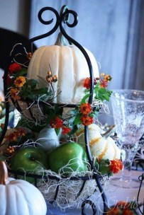 Admiring White And Orange Pumpkin Centerpieces Ideas For Halloween 17