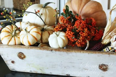 Admiring White And Orange Pumpkin Centerpieces Ideas For Halloween 20