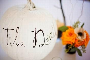 Admiring White And Orange Pumpkin Centerpieces Ideas For Halloween 37
