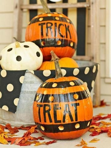 Admiring White And Orange Pumpkin Centerpieces Ideas For Halloween 45