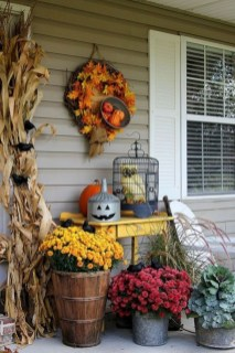 Adorable Fall Diy Decorating Ideas For Patio To Try 03