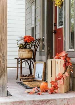 Adorable Fall Diy Decorating Ideas For Patio To Try 26