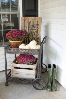 Adorable Fall Diy Decorating Ideas For Patio To Try 28