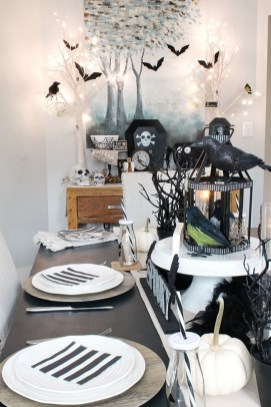 Best Halloween Party Décor Ideas For Dining Table 35