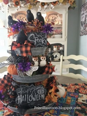 Best Halloween Party Décor Ideas For Dining Table 36
