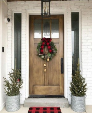 Captivating Diy Front Door Design Ideas For Special Christmas To Try 35