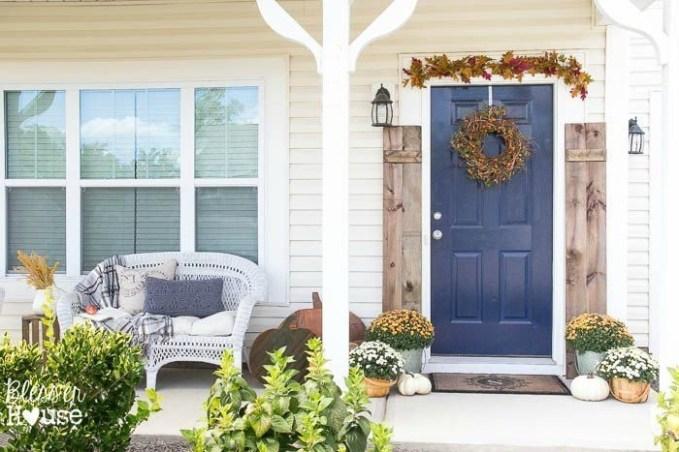 Casual Diy Outdoor Halloween Decor Ideas For Your Frontyard 17