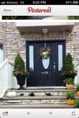 Casual Diy Outdoor Halloween Decor Ideas For Your Frontyard 18