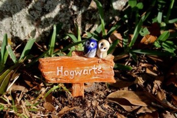 Casual Diy Outdoor Halloween Decor Ideas For Your Frontyard 21