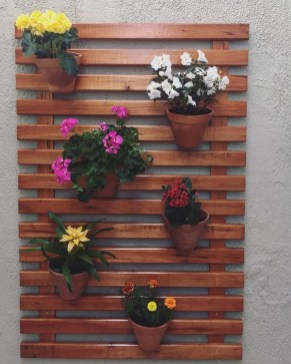 Cute Home Decor Ideas With Wooden Pallet That Looks Amazing 15