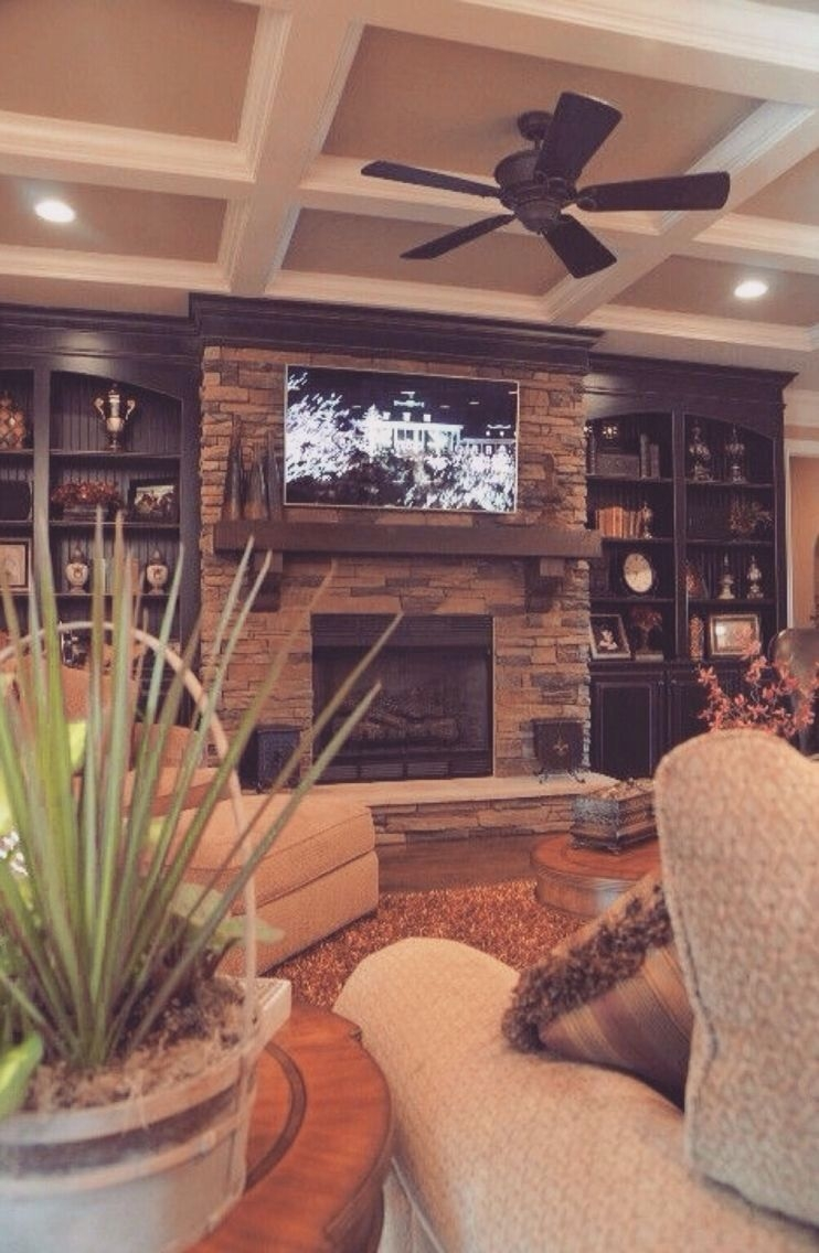 Delicate Living Room Design Ideas With Fireplace To Keep You Warm This Winter 46