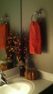 Delightful Halloween Decorating Ideas For Your Bathroom 20
