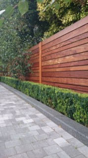 Extraordinary Front Yard Fence Design Ideas With Wood Material For Small House 34
