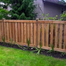 Extraordinary Front Yard Fence Design Ideas With Wood Material For Small House 42