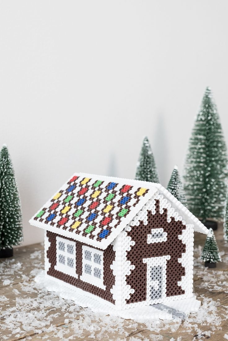 Fantastic Diy Gingerbread House Ideas For Your Décor To Try Asap 14