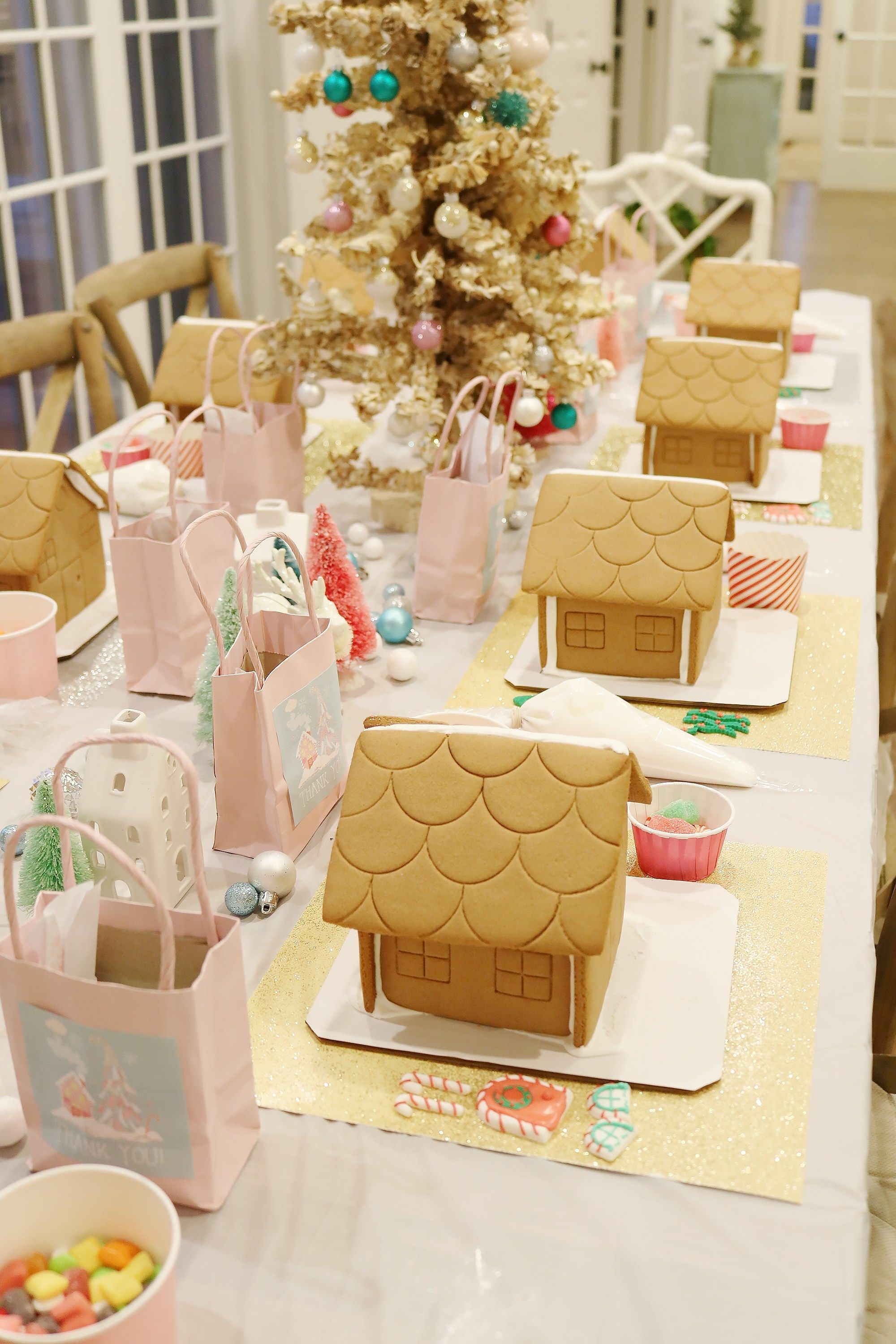 Fantastic Diy Gingerbread House Ideas For Your Décor To Try Asap 18