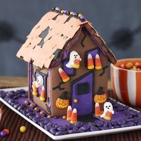 Fantastic Diy Gingerbread House Ideas For Your Décor To Try Asap 26