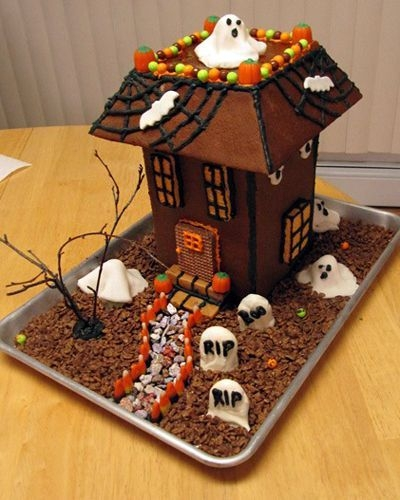 Fantastic Diy Gingerbread House Ideas For Your Décor To Try Asap 35
