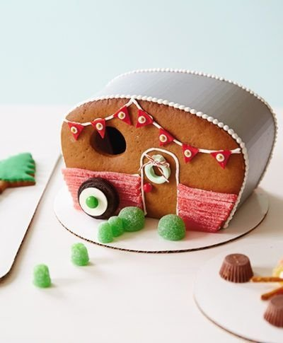 Fantastic Diy Gingerbread House Ideas For Your Décor To Try Asap 49