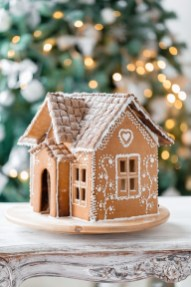 Fantastic Diy Gingerbread House Ideas For Your Décor To Try Asap 50