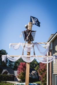 Favored Halloween Diy Pallet Outdoor Decor Ideas To Inspire You 13