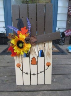 Favored Halloween Diy Pallet Outdoor Decor Ideas To Inspire You 29