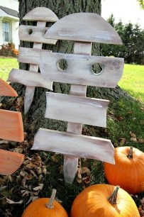 Favored Halloween Diy Pallet Outdoor Decor Ideas To Inspire You 31