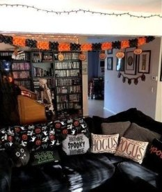 Relaxing Diy Halloween Living Room Decoration Ideas To Try 15