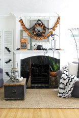 Relaxing Diy Halloween Living Room Decoration Ideas To Try 45