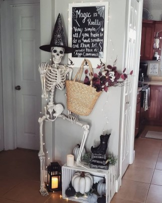 Rustic Halloween Party Decoration Ideas To Try Now 24