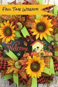 Splendid Wreath Designs Ideas For Front Door To Welcome Halloween 03