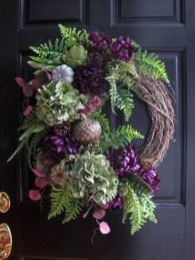 Splendid Wreath Designs Ideas For Front Door To Welcome Halloween 04