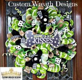 Splendid Wreath Designs Ideas For Front Door To Welcome Halloween 23