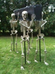 Superb Front Yard Halloween Decoration Ideas To Try Asap 03